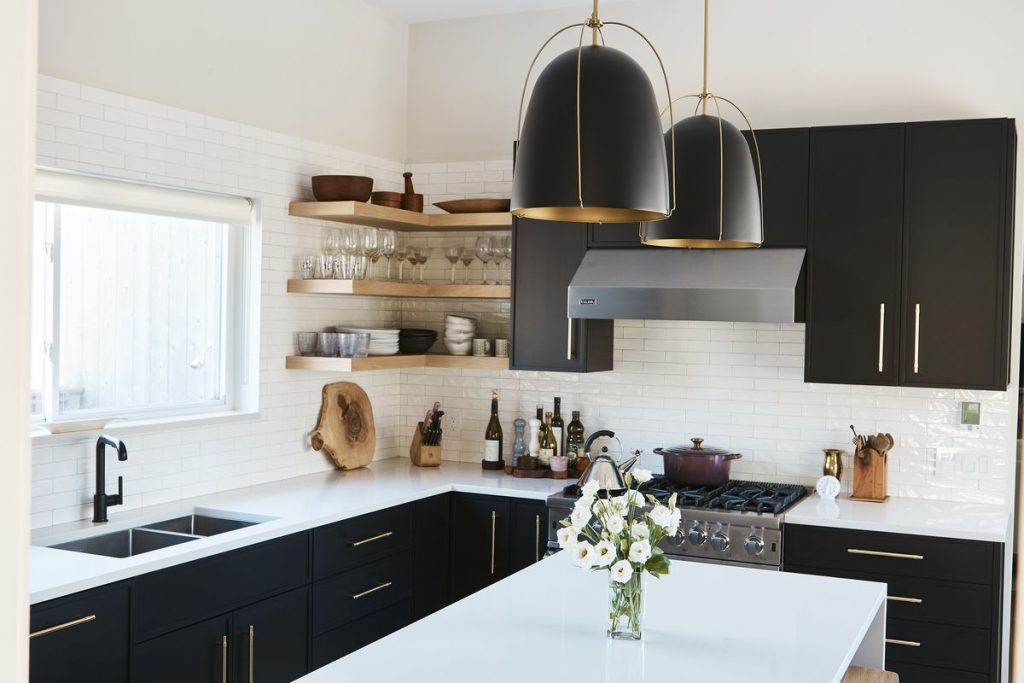 How Can Black Kitchen Cabinets Make a Small Kitchen Look ...
